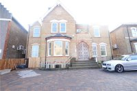 Flat in MAIN ROAD, SIDCUP, KENT