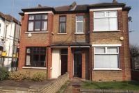 Flat to rent in ELTHAM