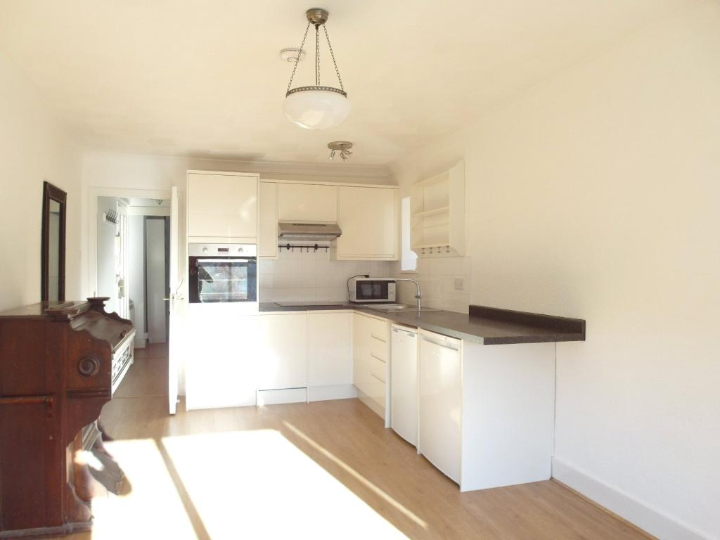 Kitchen / lounge Are