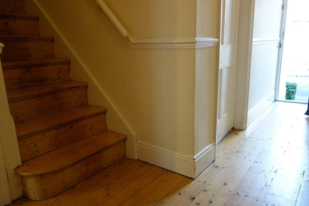 Hallway & sta...
