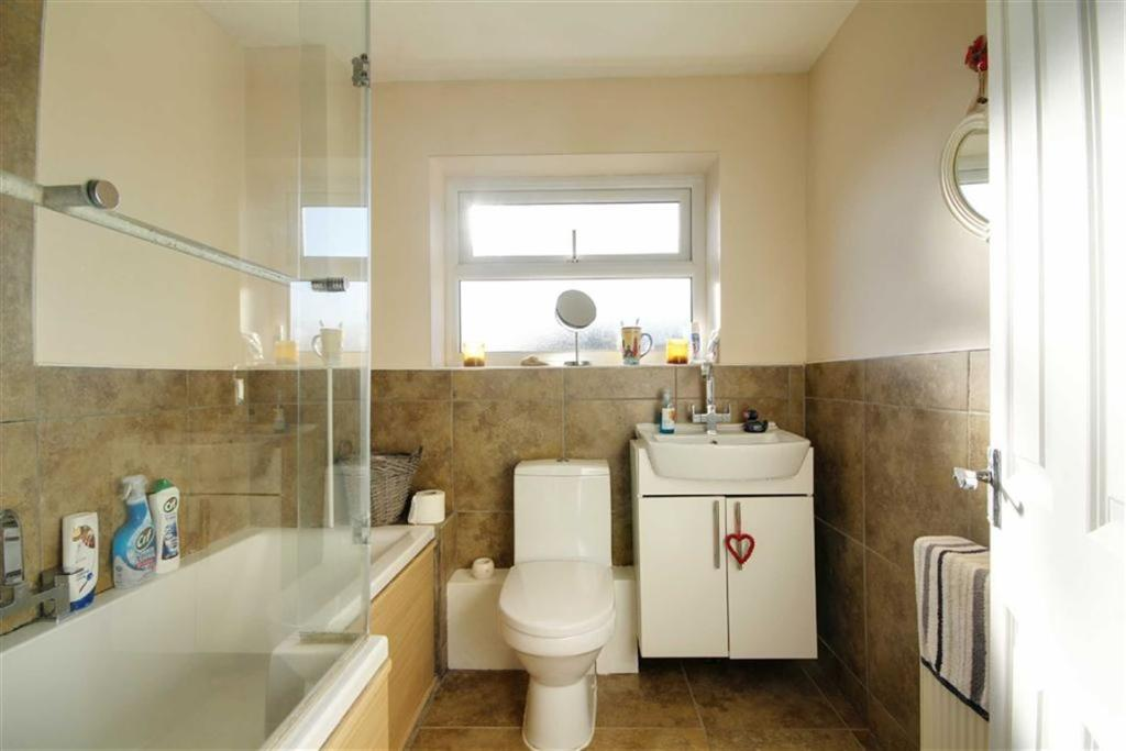 REFITTED BATHROOM/WC