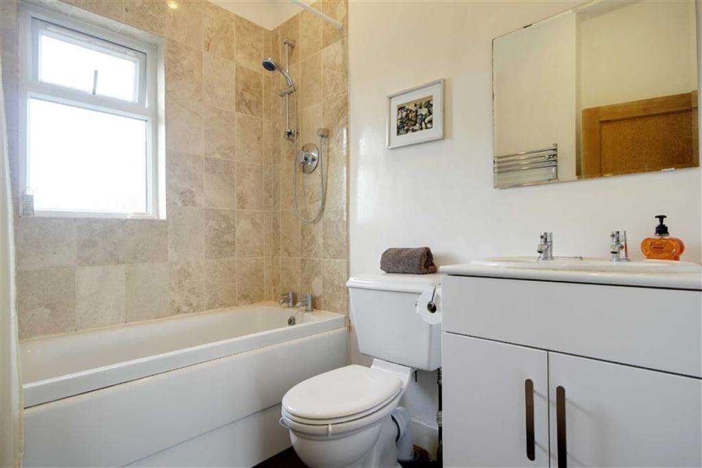Bathroom /WC
