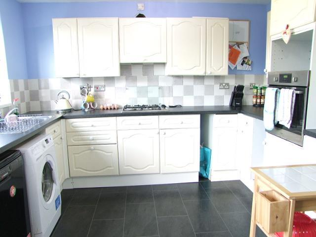 Large Fitted Kitchen