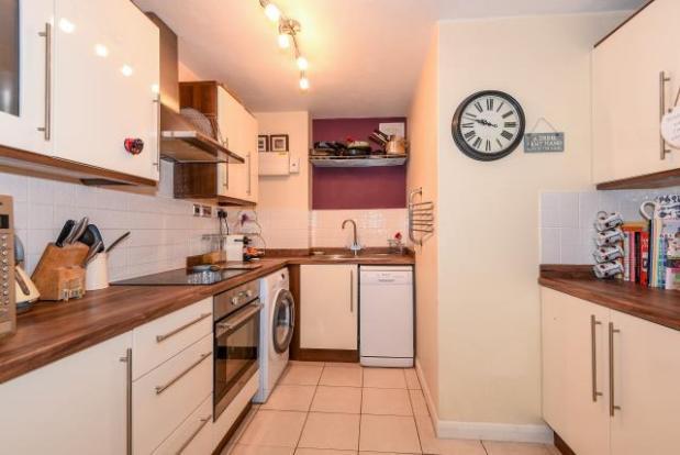 1 bedroom flat for sale in st johns woking gu21 gu21 for Kitchen ideas st johns woking