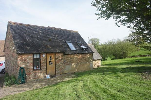 Cottage, Manor, Bril