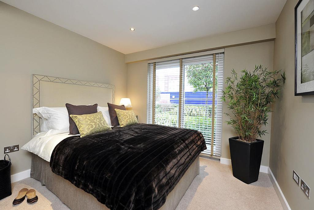 3 bedroom new Apartment in Aerodrome Road, London...
