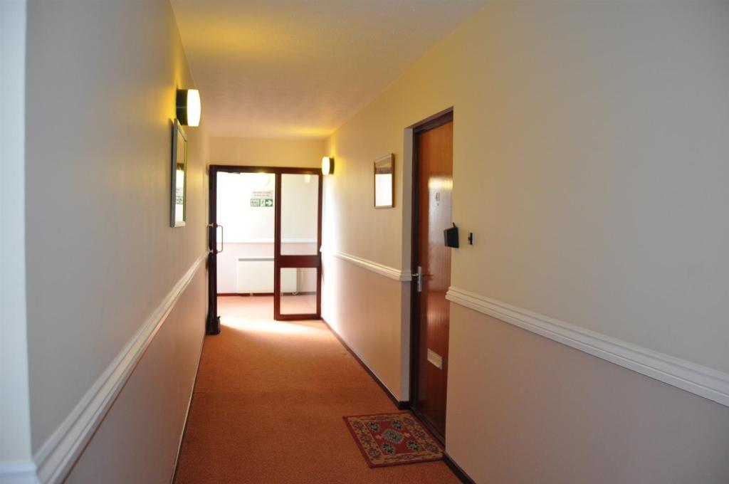 DSC_1423 Hallway New