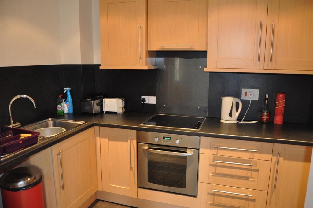 DSC_1715 Kitchen - C