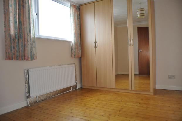 DSC_2293 Bedroom 2.j