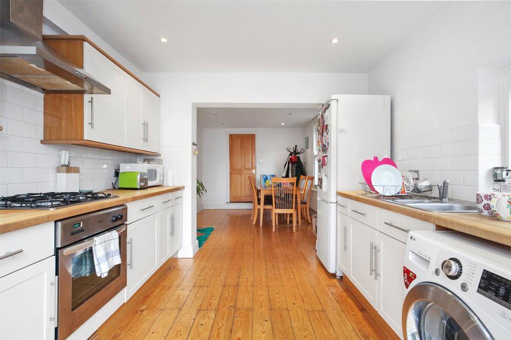 Kitchen/Diner View3