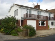 2 bed semi detached property to rent in Coast Road, West Mersea...