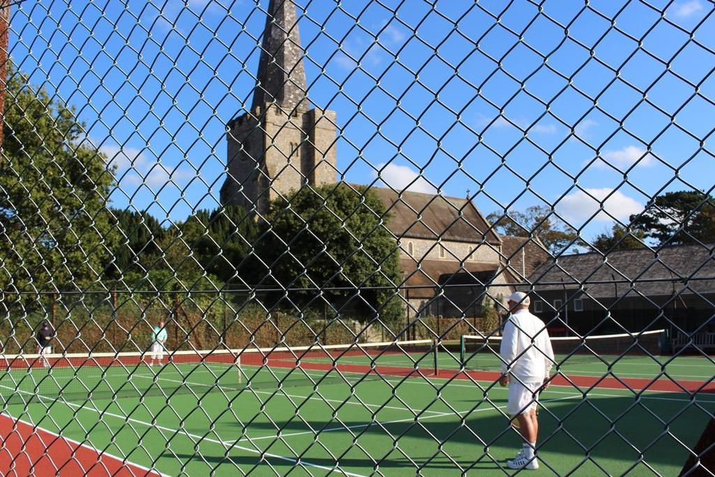Tarring Tennis Courts