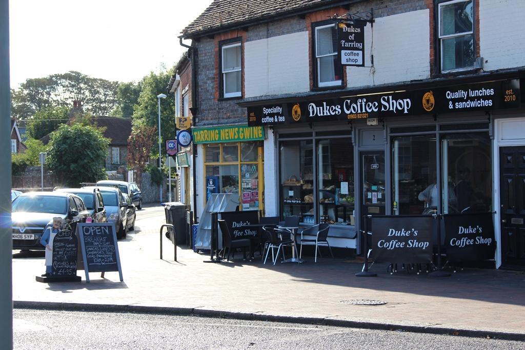 Dukes Cafe
