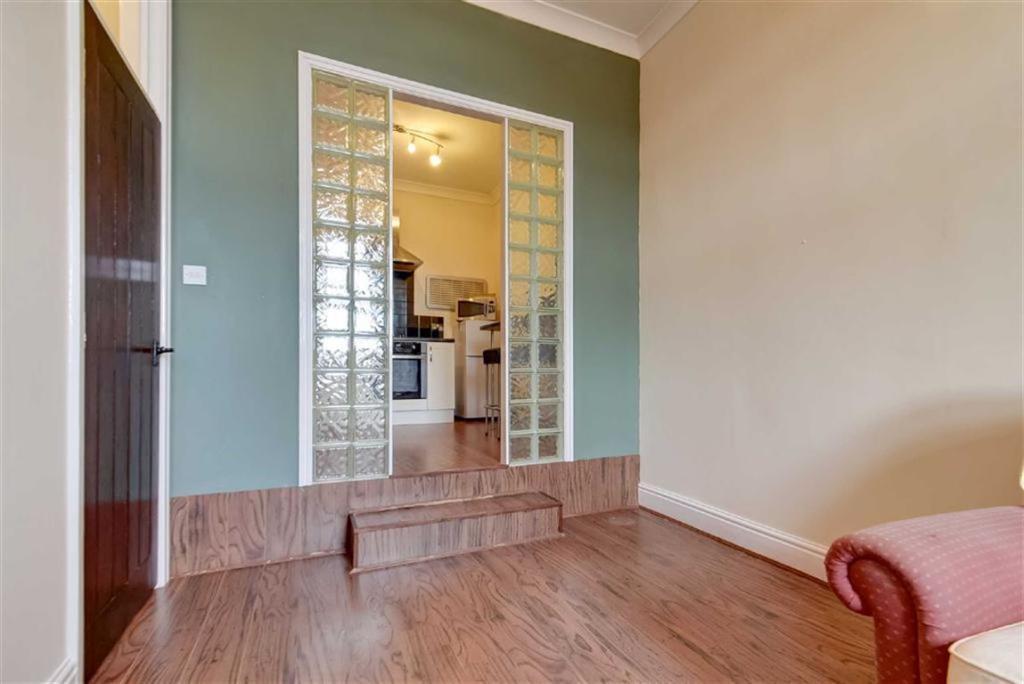 Living Room (alterna