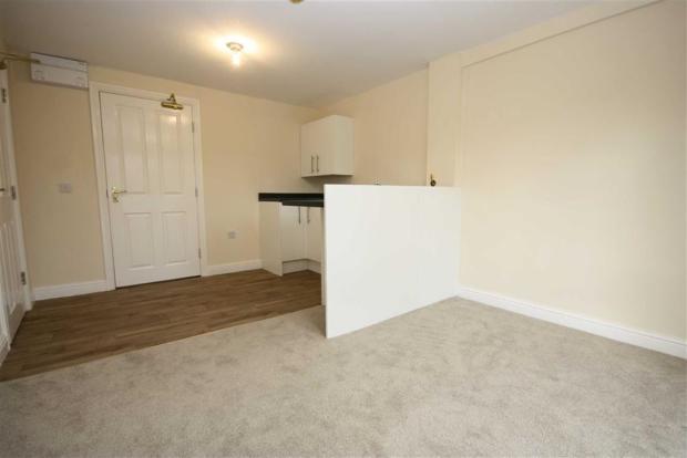 Lounge/ Kitchen Area