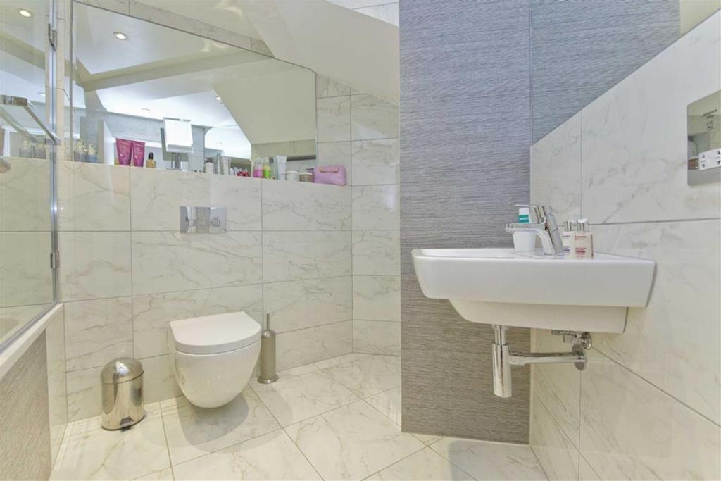 3 Bedroom House For Sale In Saltram Crescent Queens Park London W9