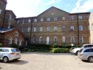 2 bedroom Flat in Southdowns Park...