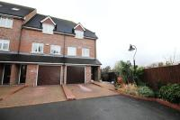 3 bed Town House in Heath Road...