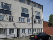 Maisonette to rent in Flat 5, 17 Reading Street