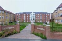 2 bed Apartment to rent in 36 Heyesmere Court