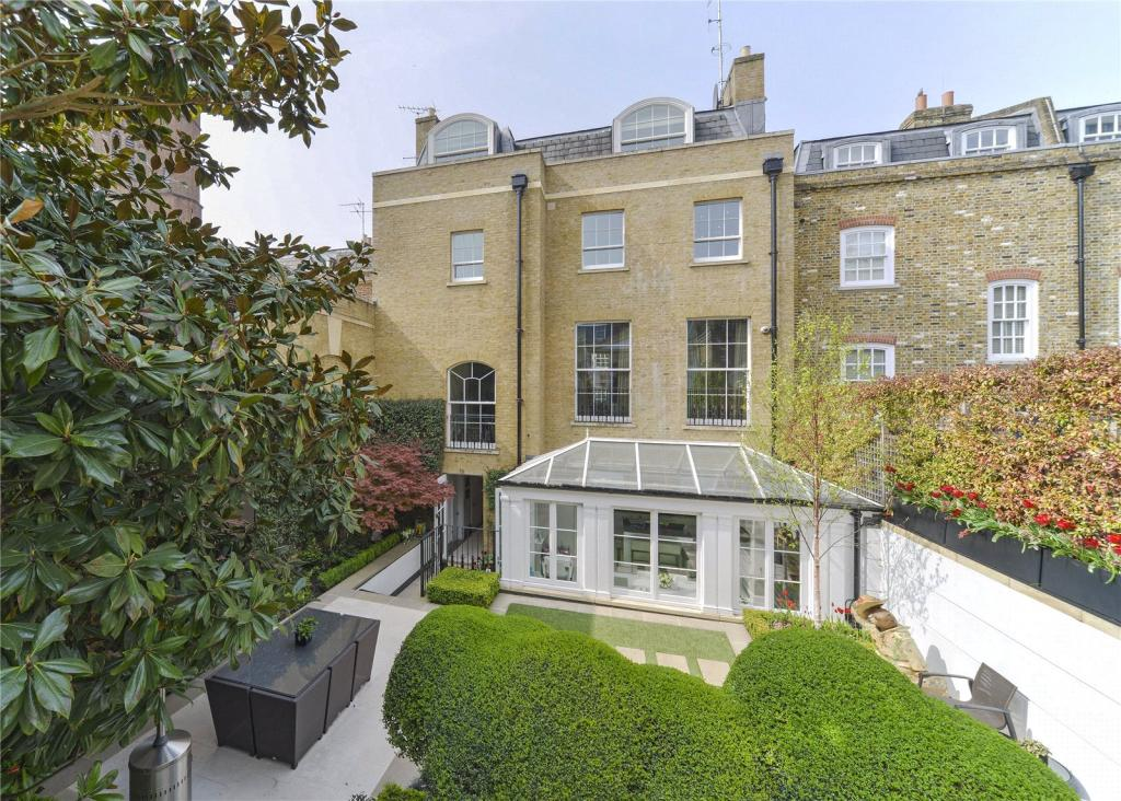 5 bedroom house for sale in old church street london sw3 for Classic house old street london