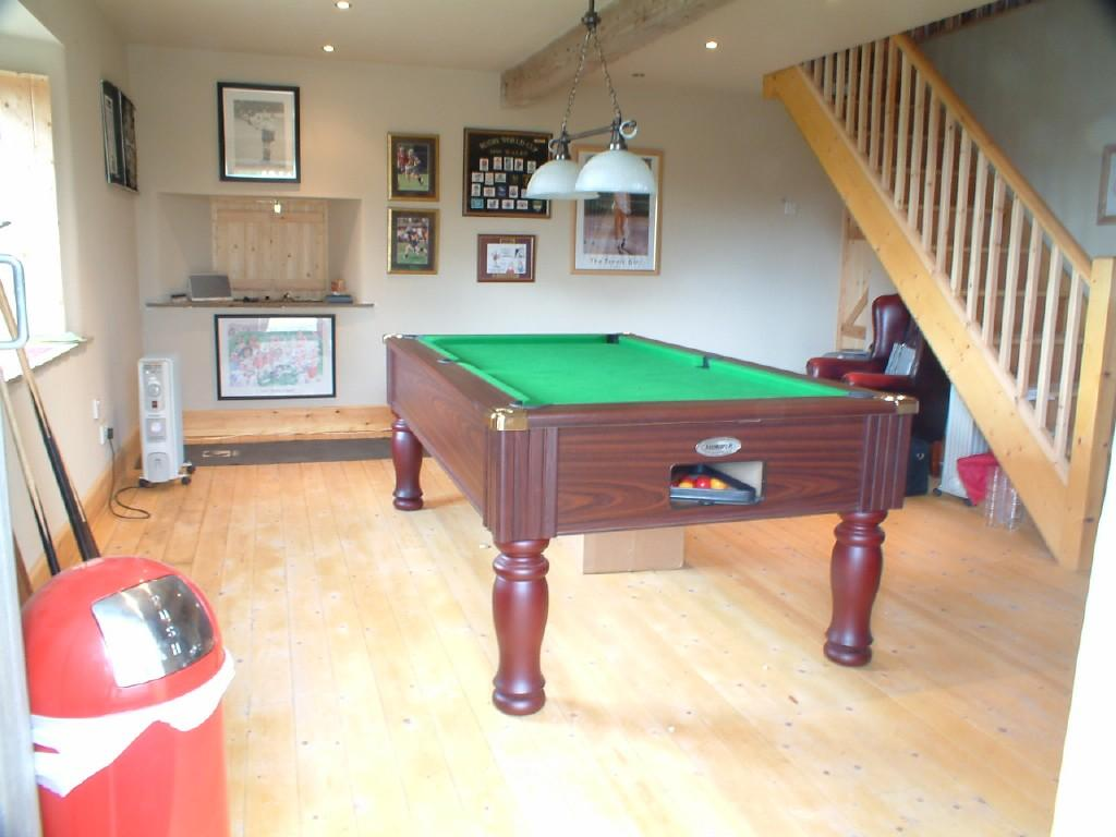 Pool table games room design ideas photos inspiration for Pool room design uk