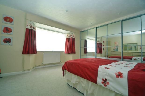 Bed 1 Window