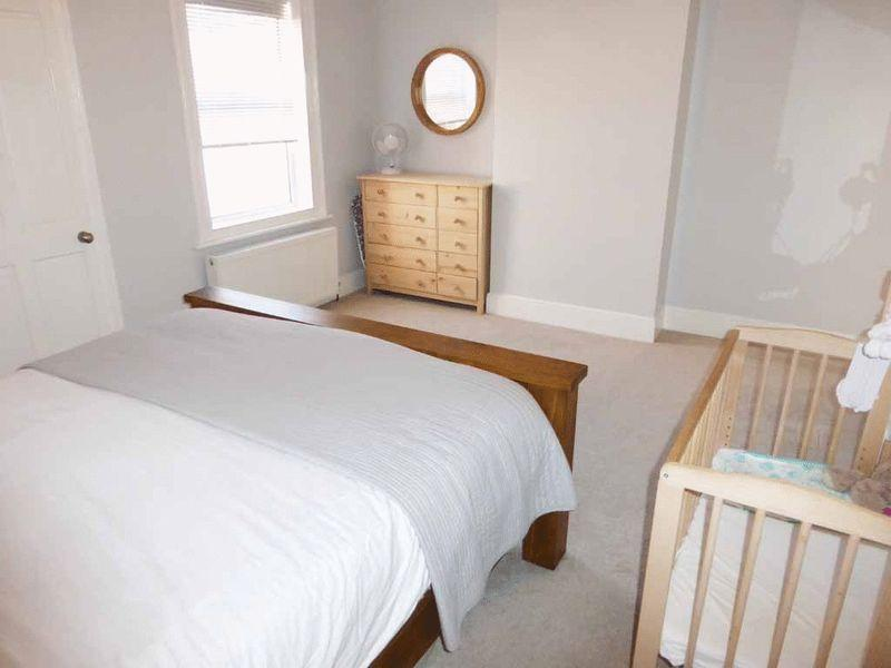 Bedroom 2(2)