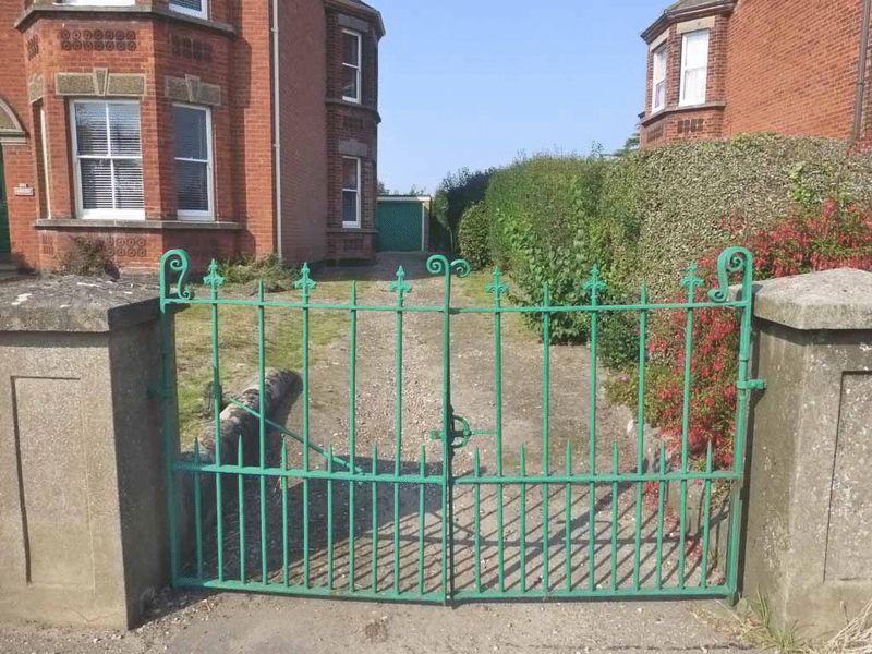 Gates to Driveway