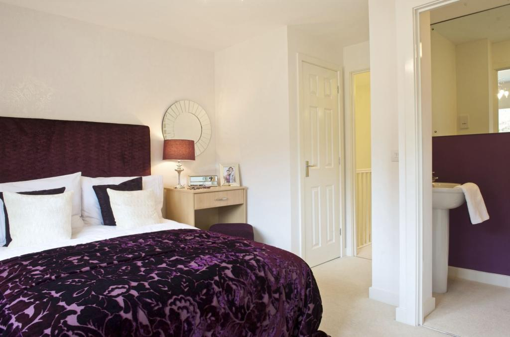 Richmond bedroom with ensuite