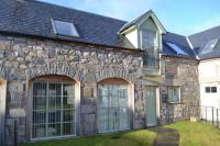 2 bed property in 3 Kenaclacher Steading...