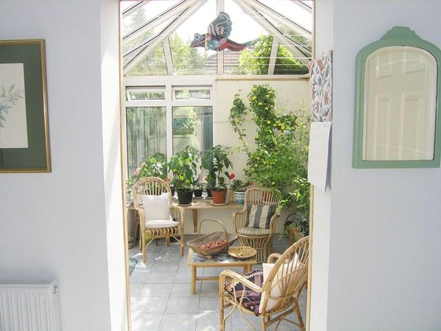 Inner hall to garden room