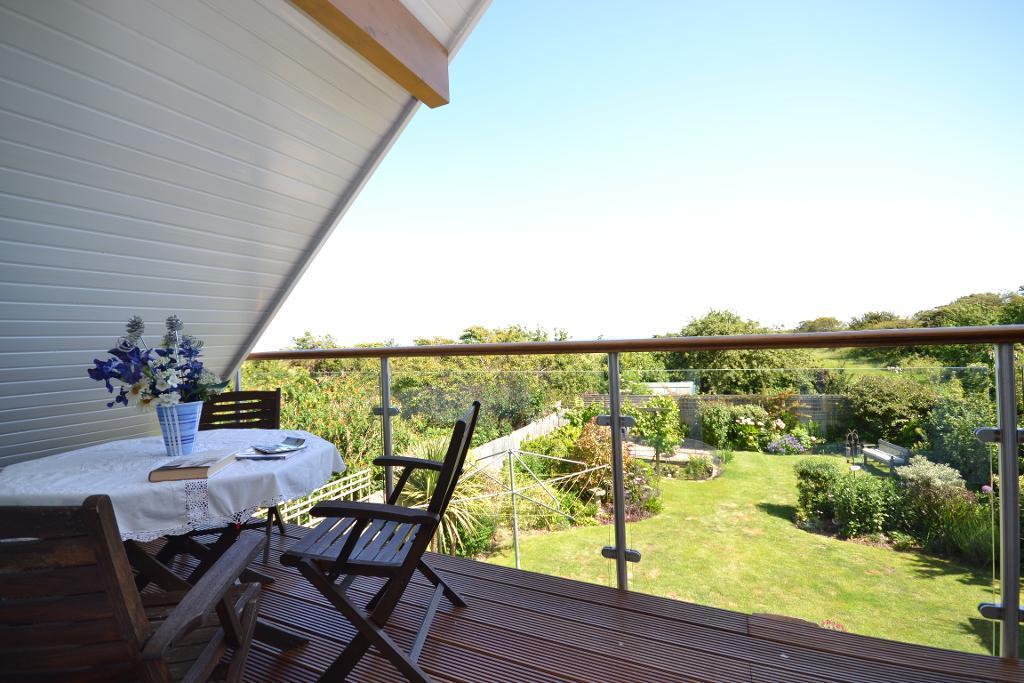 Balcony to Garden