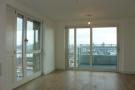 2 bed Flat in No 1 The Plaza...