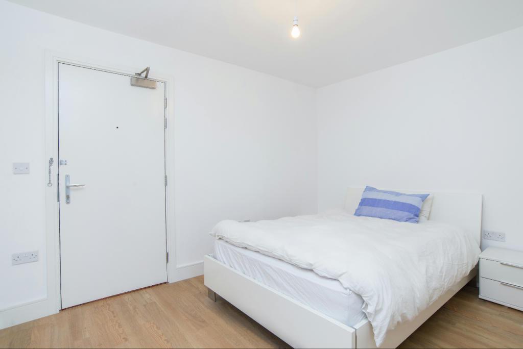 5_Bedroom