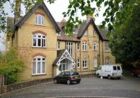 Flat to rent in Broadwater Down...