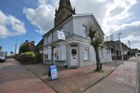 Maisonette to rent in Bayhall Road Tunbridge...
