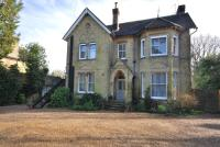 Flat to rent in Frant Road Tunbridge...