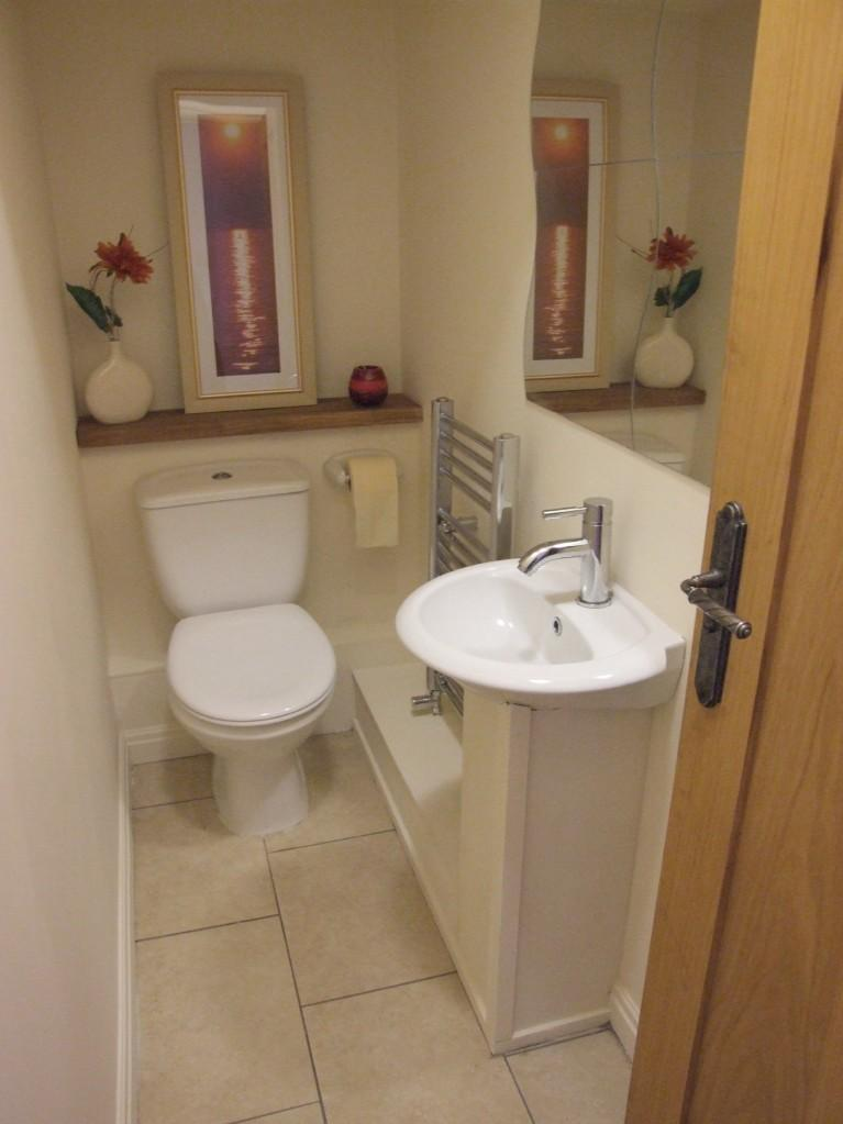 1000 images about cloakroom ideas on pinterest for Toilet room decor