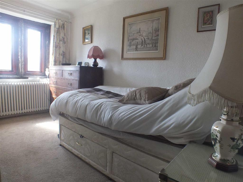 FRONT BEDROOM (3)
