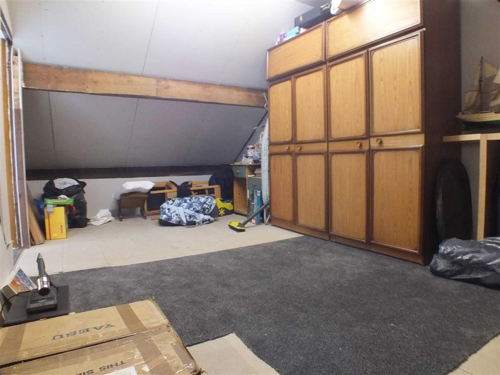 ADJOINING STORE ROOM