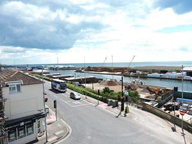 2 bedroom flat for sale in portslade by sea bn41 for Porte 7th sea