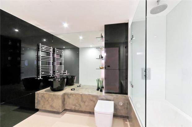 City: Bathroom