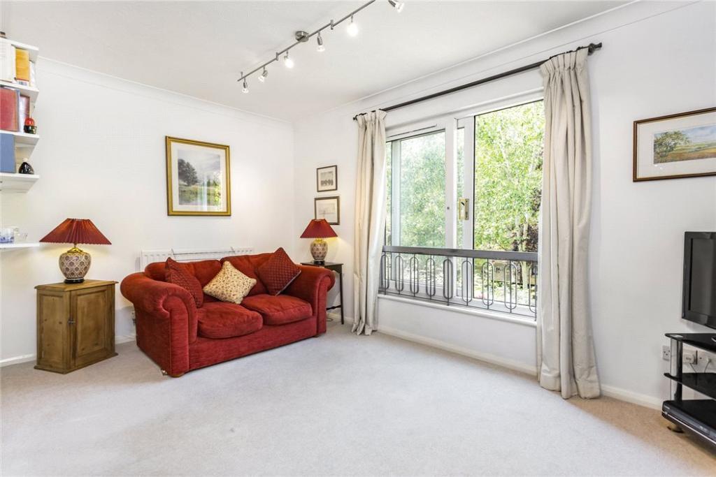 House For Sale E1w