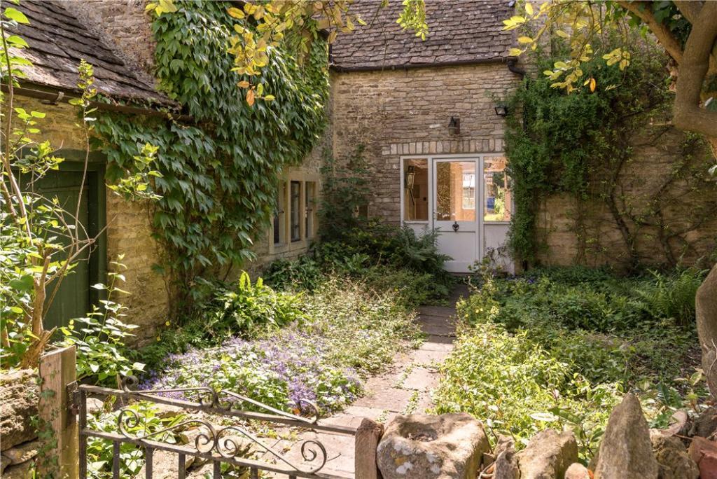 Bath - House