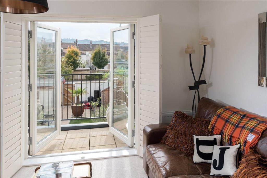Bath: Balcony View