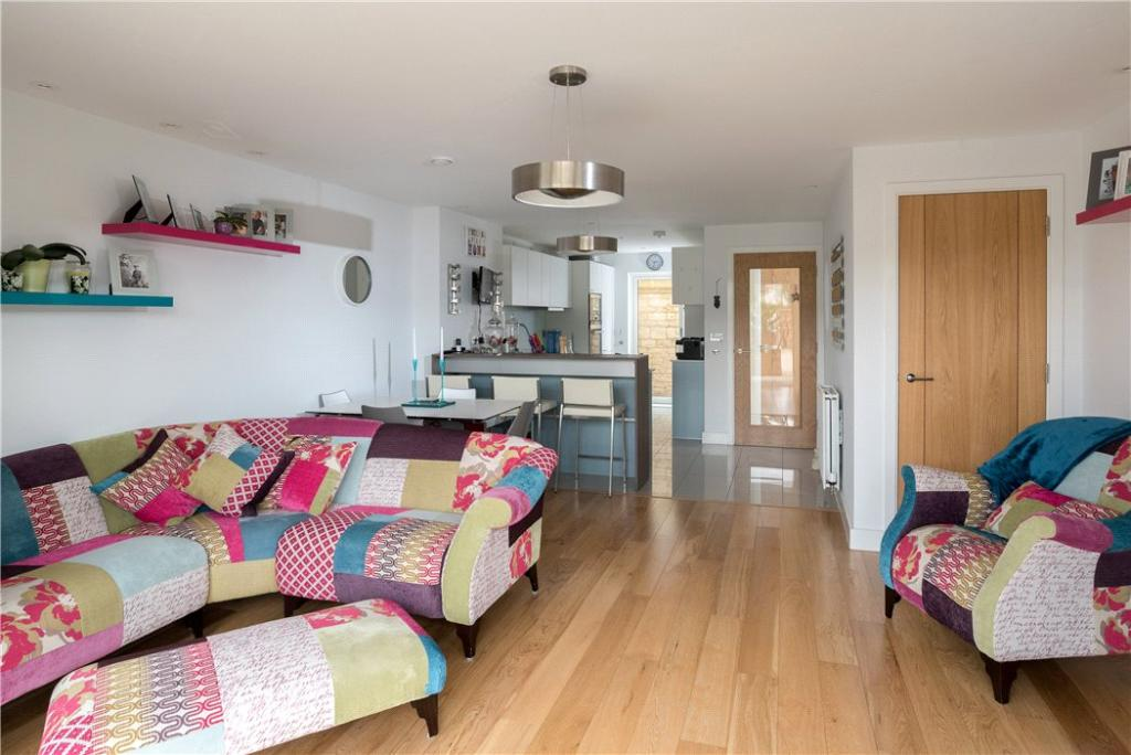 Bath: Living Room