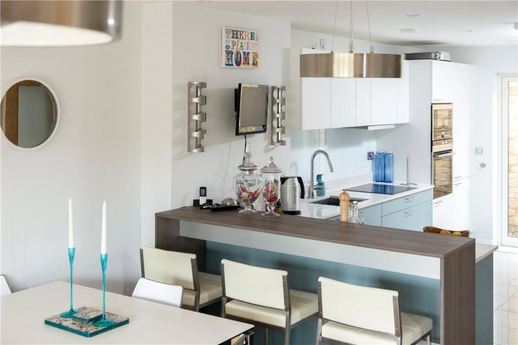 Bath: Kitchen