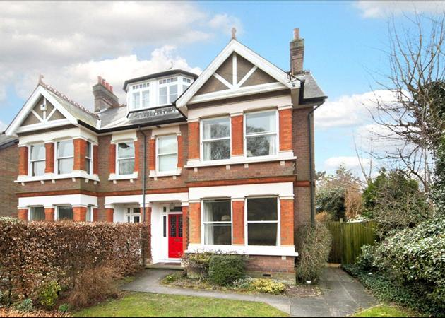 6 bedroom house for sale in london road great missenden for Six bedroom house for sale