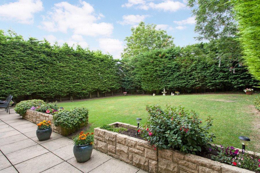 Forty Green: Garden
